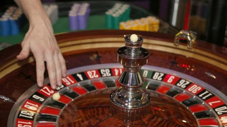 Eight Key Ways The professionals Use For Gambling